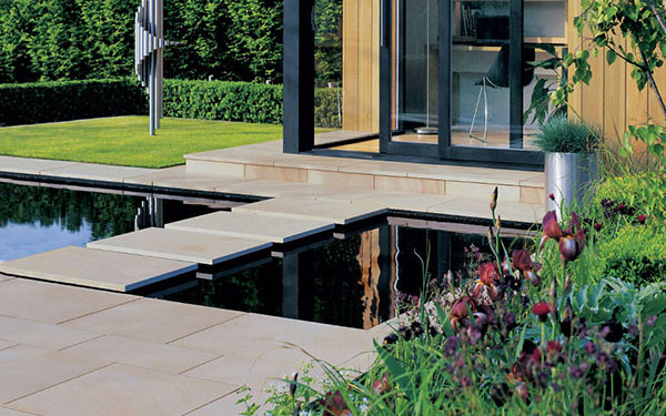 Avant-Garde Natural Stone Garden Paving