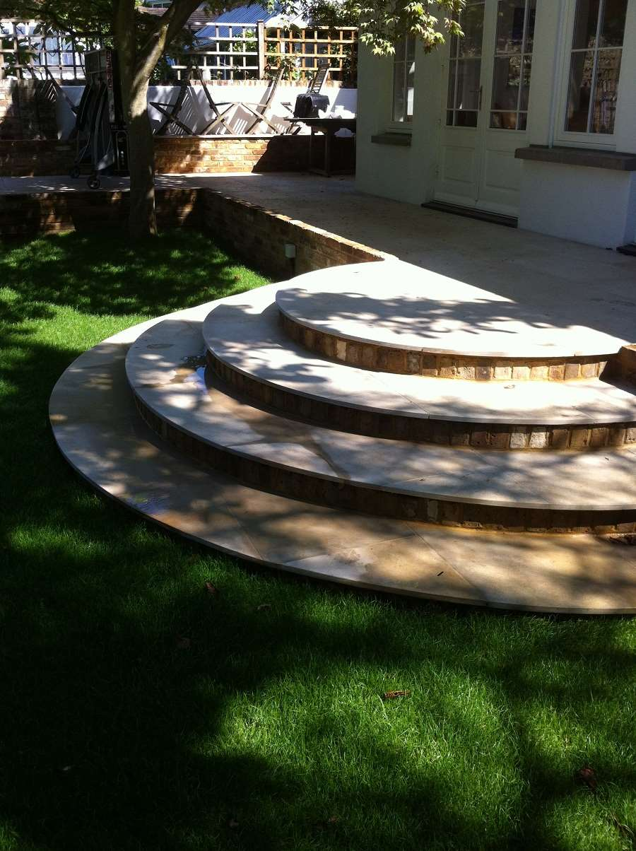 Accent Garden Design In Woking
