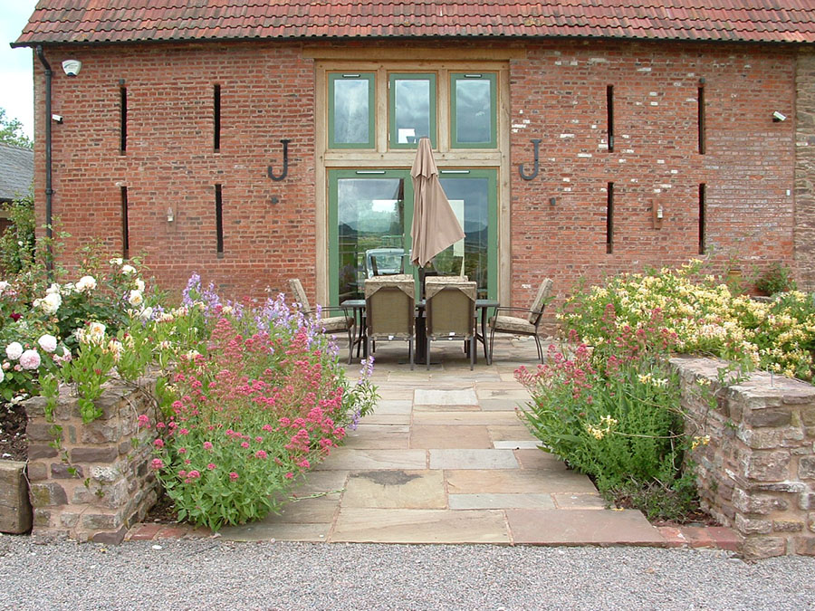 Garden designer image gallery stonemarket for Find local garden designers