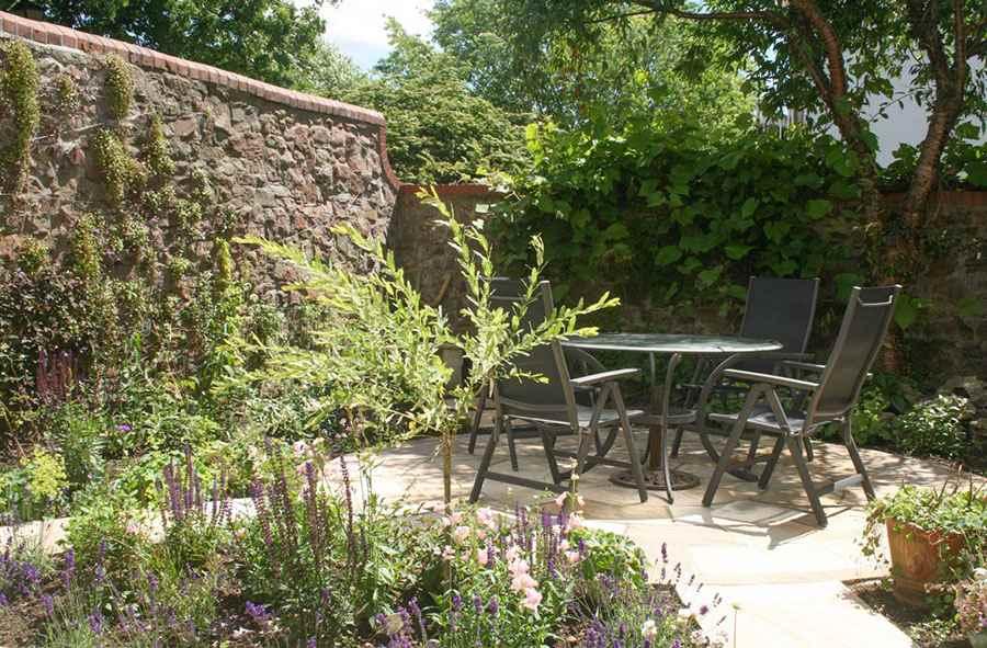 Jasmine Garden Design in Bristol | Garden Design