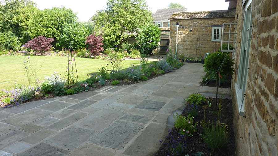 Find local uk garden and landscape designers stonemarket for Garden design nottingham