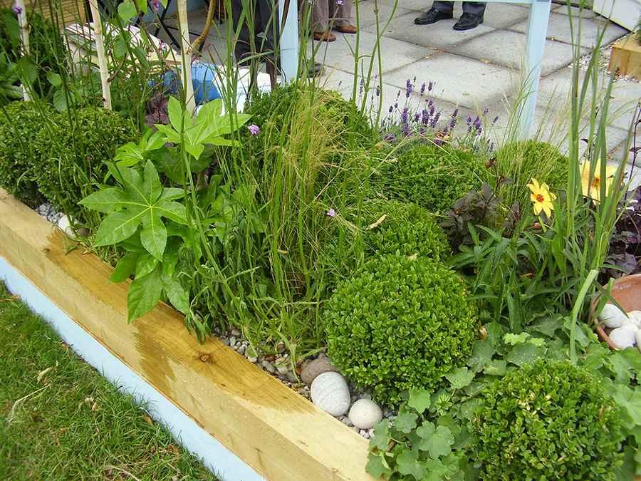 Find local uk garden and landscape designers stonemarket for Local landscape gardeners